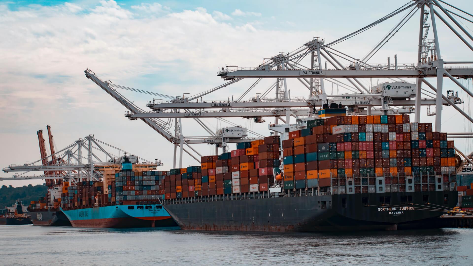 Blackbox export of application metrics in Kubernetes using Grok Exporter and Prometheus